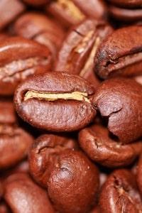 Кофе в парфюмерных магазинах: за и против